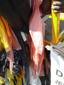 Lutte contre l'utilisationplastique de sachets plastique à dakar 6