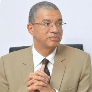 Franco-béninois, le prmier ministre du Benin ne réponds pas aux attaques concernant la couleur de sa peau
